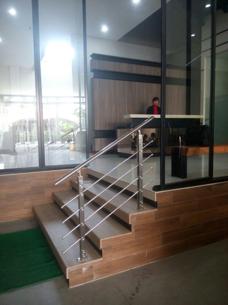 railing tangga makmur aluminium 7